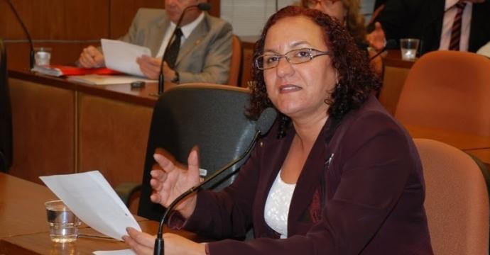 Sandra Marrocos apresenta Voto de Pesar para a família de policial morto