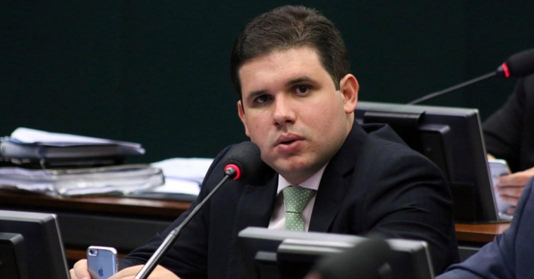 Deputado defende aliança entre PMDB e PSB nas eleições de 2018