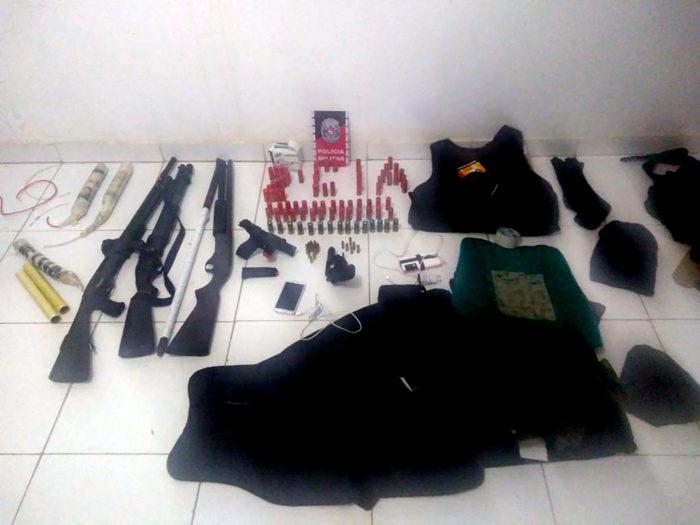 Polícia apreende explosivos e armas que seriam utilizados em ataques a banco na PB