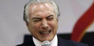 Sátira: escola de samba vai desfilar com boneco de Temer como vampiro