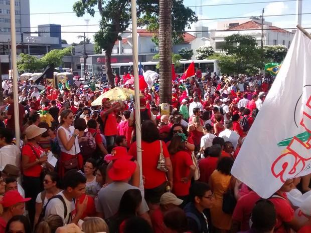 Ato em apoio a Lula na Paraíba registra confronto entre PM e manifestantes; veja vídeos