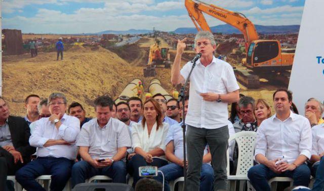 Ricardo assina termo de cooperação com Governo de Pernambuco para construção de adutora