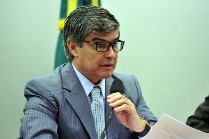 Wellington Roberto é o deputado do país que mais 'torrou' dinheiro público com divulgação, diz Veja