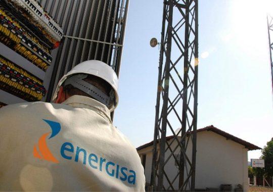 Energisa investe quase R$ 1 milhão para renovar da iluminação pública de Bayuex e Jacaraú