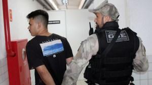 Polícia prende suspeitos de comandar tráfico de drogas na praia de Jacumã