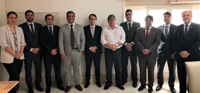 João Azevêdo anuncia concurso público para procurador do Estado