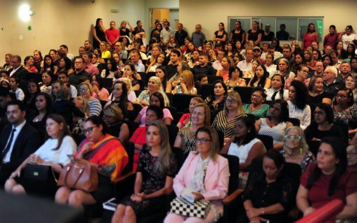 Câmara de Bayeux homenageia mulheres que se destacaram em suas áreas