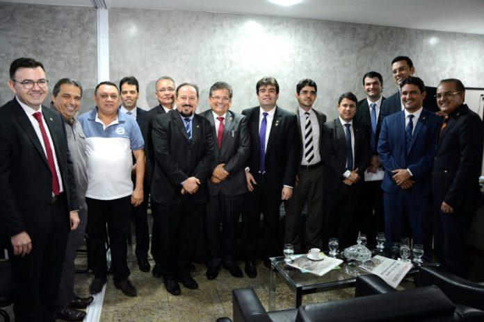 Presidente da CMJP recebe promotores de Justiça e deputados estaduais