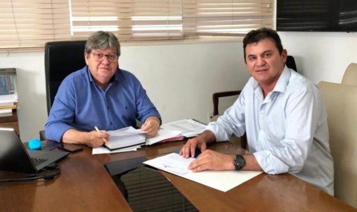 Doda de Tião apresenta pleitos para municípios e destaca parceria com João