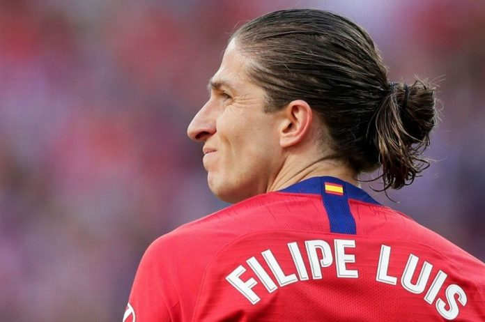 Após longa negociação, Flamengo anuncia Filipe Luis como novo reforço