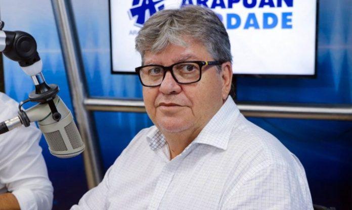 João anuncia que reajuste dos servidores da PB entra já no contracheque de janeiro