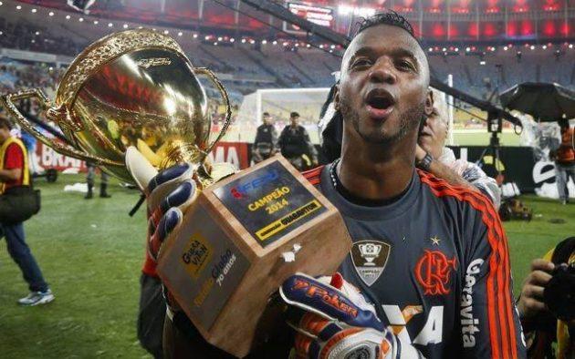 Botafogo-PB anuncia a contratação de ex-goleiro do Flamengo; atleta grava vídeo