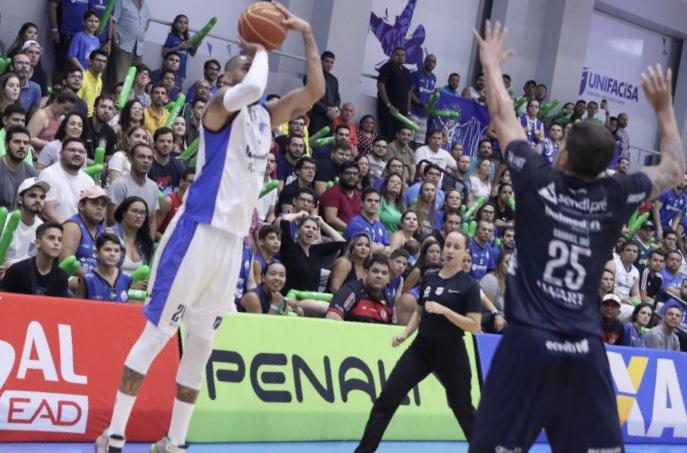 Com apoio da torcida Campinense, Unifacisa vence o Bauru pela NBB