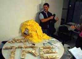 Caso do dinheiro voador que investiga Cássio corre em segredo de Justiça e pode prescrever