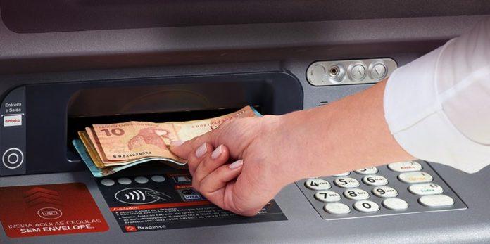 Governador anuncia quando paga a folha de novembro dos servidores estaduais da PB