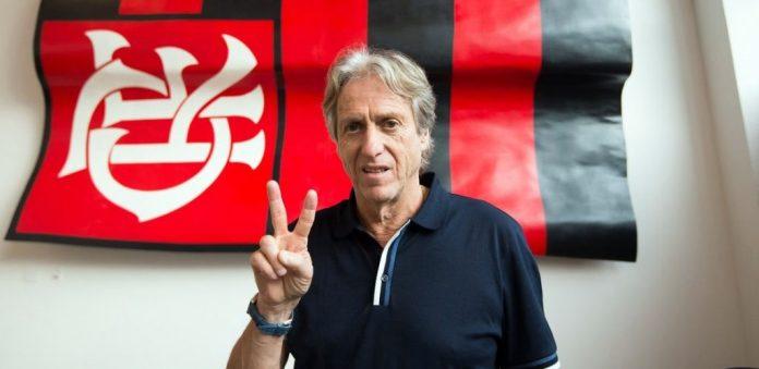 """Jorge Jesus anuncia permanência no Flamengo: """"digam à nação que fico!"""""""