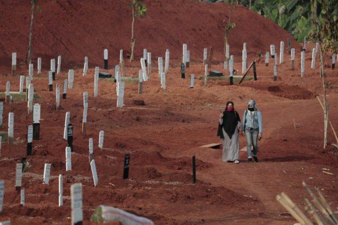Pandemia: mundo ultrapassa a marca de 1 milhão de mortos por Covid-19