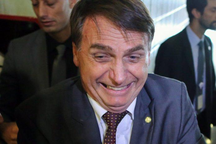 Rejeição a Bolsonaro sobe de novo e bate 50% na maior cidade do país