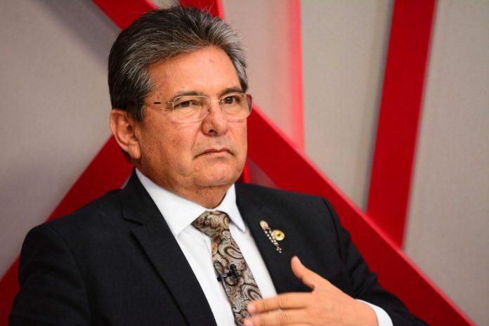 Presidente da ALPB lamenta a morte de Simão Almeida, diretor da Cagepa