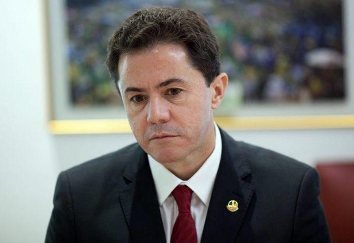 Vídeo: vice-presidente do Senado, Veneziano reage às ameaças de Bolsonaro