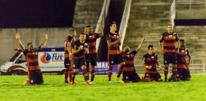 Campinense bate Atlético de Cajazeiras nos pênaltis e avança no Paraibano