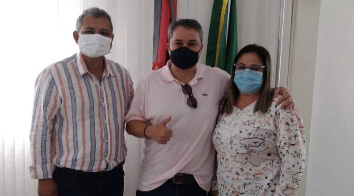 Prefeita de Juru anuncia apoio à pré-candidatura de Efraim Filho ao Senado