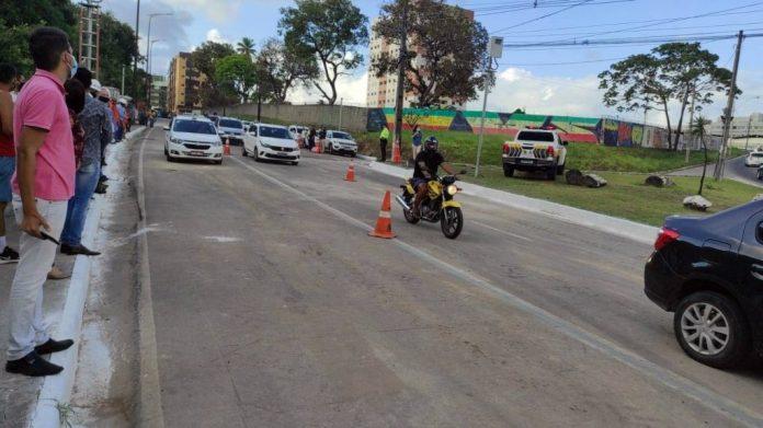 Prefeitura de João Pessoa libera trânsito na Avenida Pedro II; veja vídeos