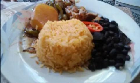 arroz-com-urucum-colorau