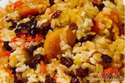 arroz_de_forno_com_uvas_passas