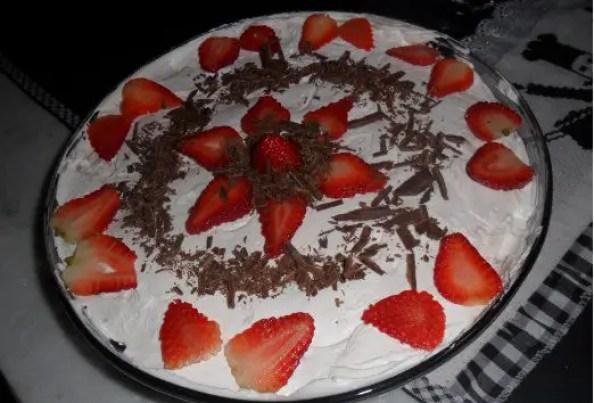 pave-de-morango-com-chocolate-a