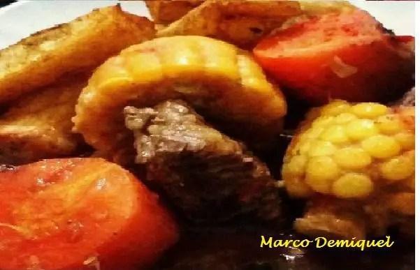 Tem Na Web - Receita de Ensopadode Costela com Legumes e Mandioca frita.