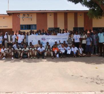 Photo de famille participants LearnAthon ImpalaEdTech - Parakou