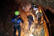 Rescate en Tailandia: ocho niños siguen atrapados en una cueva