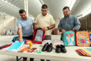 Alistan entrega de mochilas, útiles, uniformes y zapatos
