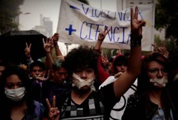 Los estudiantes de México marchan en contra del miedo