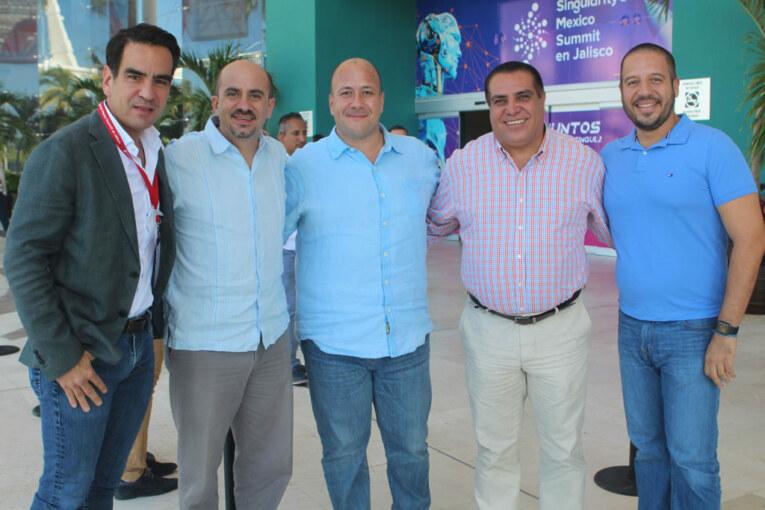 Da alcalde bienvenida a participantes del SingularityU México