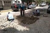 Continúa bacheo y reparación de calles en colonias de la ciudad