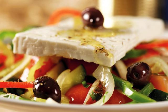 Salata elliniki kontino