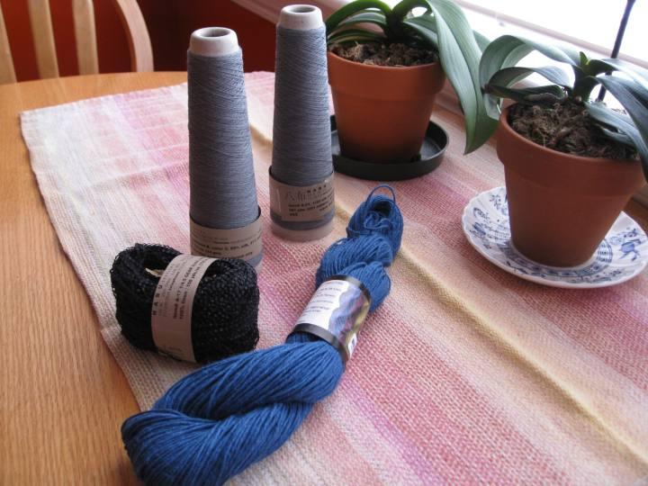 Habu and hemp for knitting yarn