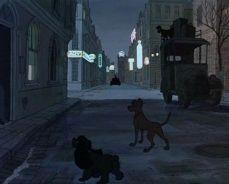En Los 101 Dalmatas - Aparecen La Dama y El Vagabundo en la escena en que le ladran a la luna.