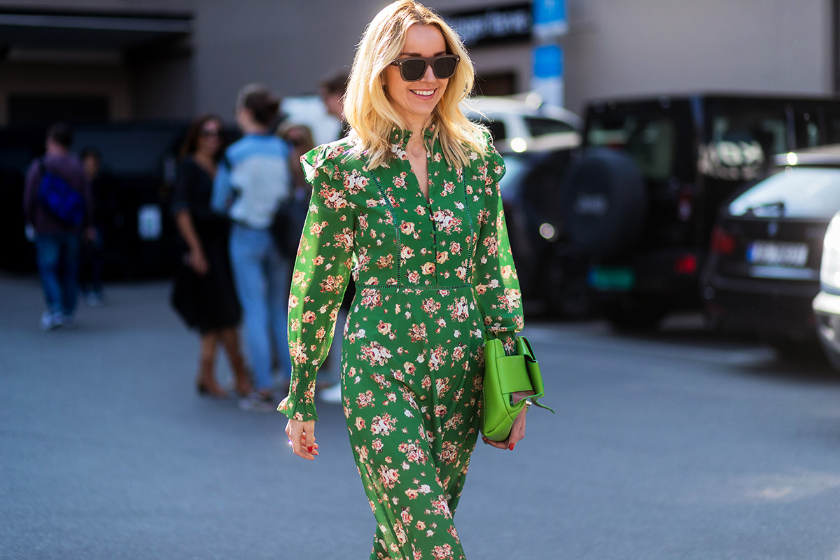 oslo-street-style-green-floral-print-dress-green-bag-hege-aurelie-badendyck