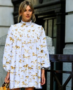 Wild-Print-Explosion-with-horses-themed-peasant-dresses-puffed-sleeves-and-tiger-skin-bags. (2)