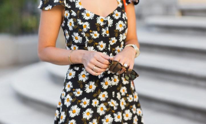 Daisy_Print_Dress-Topshop-Outfit-MIchael_Kors-Street_Style-6