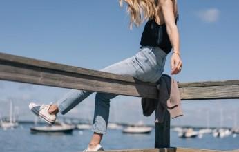 Jess-Ann-Kirby-paige-silk-tank-madewell-perfect-summer-jeans-converse-70s-oxford-all-star-07985
