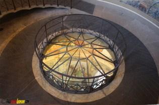 Nach den ersten 10m ist ein Boden eingezogen mit einer Kuppel