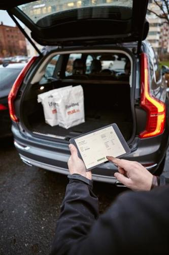 169832_Volvo_In_car_Delivery