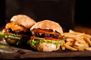 Burger da OX Room Steakhouse é finalista do Prêmio TOPVIEW Gastronomia 2020