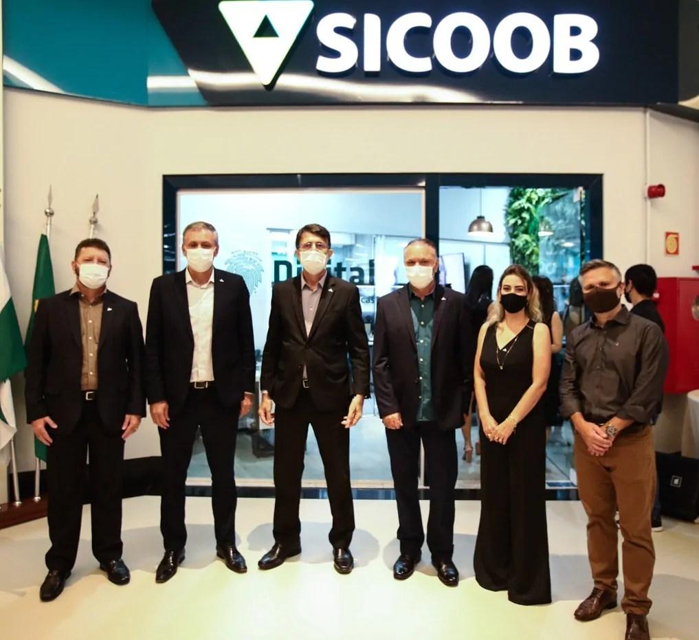 Boulevard Londrina Shopping abre primeira Agência Digital do Sicoob Ouro Verde