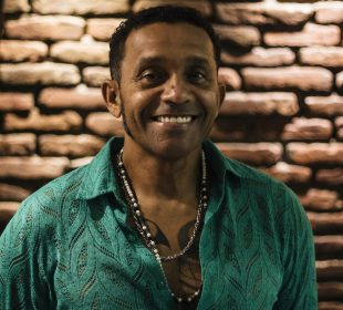 Sueldo Soaress protagoniza terceiro compacto do especial Música Preta Potiguar