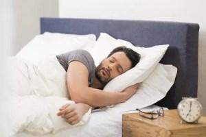 Homens que vão para a cama mais cedo têm melhores espermatozoides